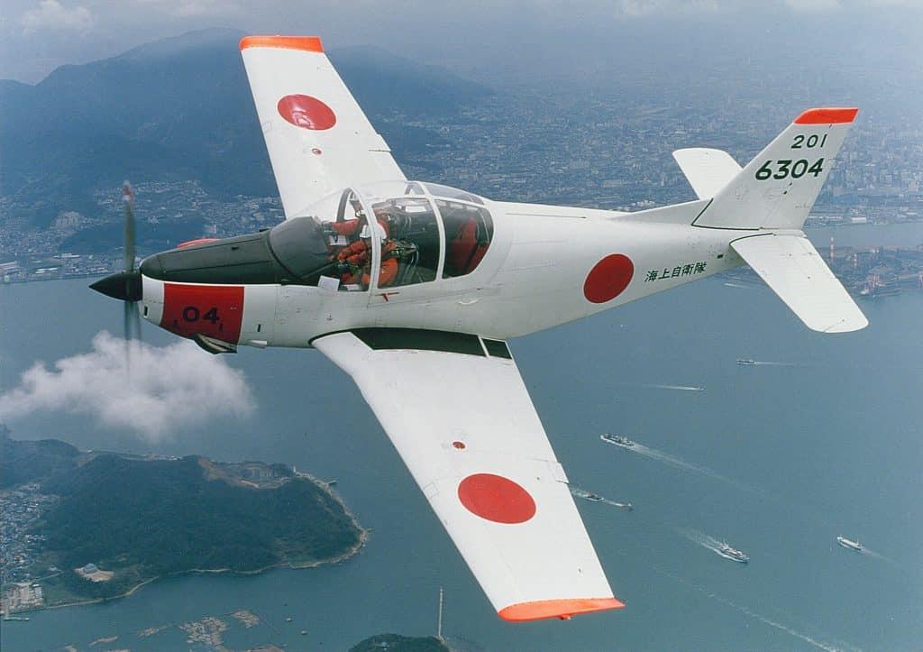 練習機T-5画像